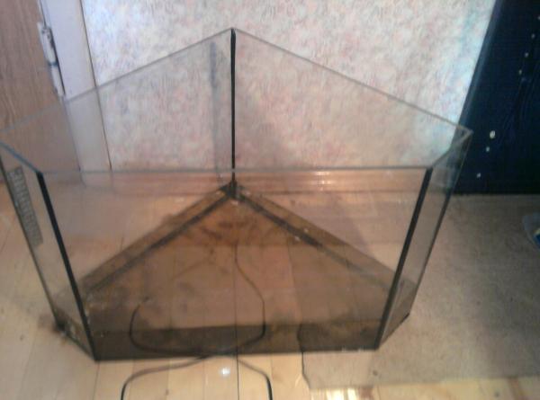 Угловой аквариум фото